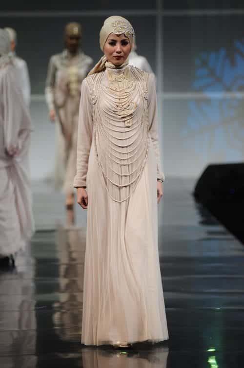 bdfbfc7ccbd A Fab Hijabi Dress for the Engagement. Engagment Dresses (27)