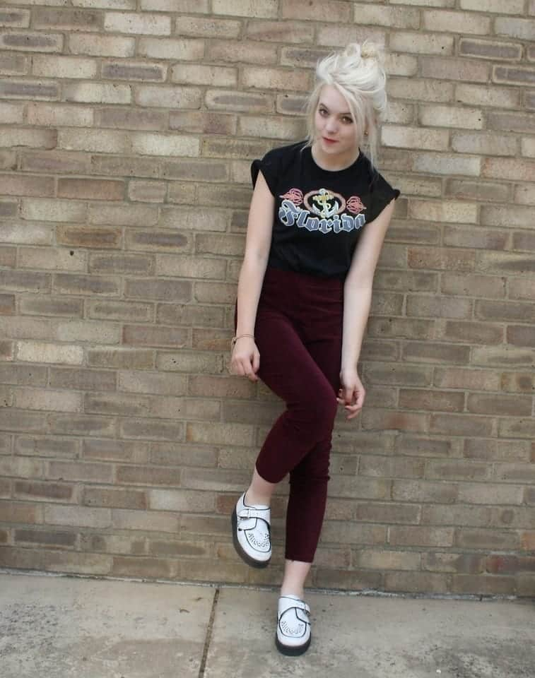 Outfits with Velvet Leggings (16)