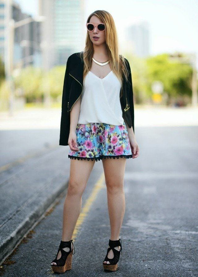 Outfits with floral shorts (35)