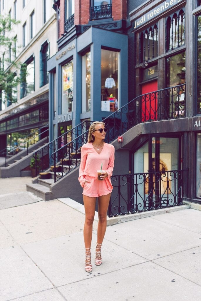 Outfits with flared sleeves (17)
