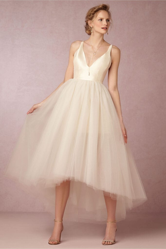 Engagement Outfits 27 Beautiful Dresses To Wear On Engagement