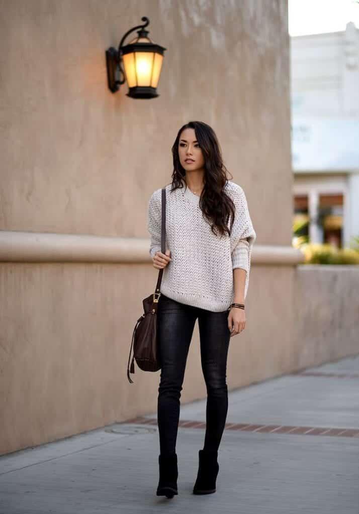 Stylish Ways to Wear Black Denim (15)