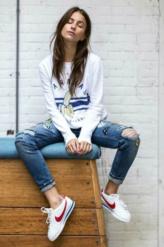Stylish outfits to wear with Nike shoes (6)
