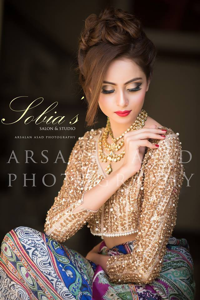 Pakistani Bridal Hairstyles For A Perfect Look (14)