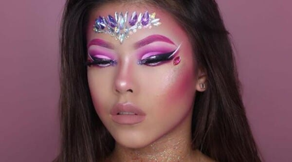Get Inspired With These Cool Halloween Makeup Looks (5)