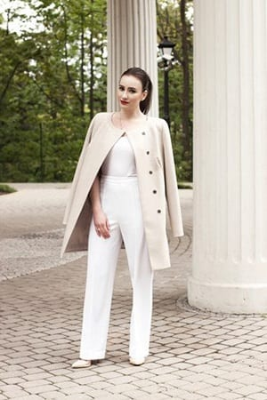 How to Wear White Wide Leg Pants (8)