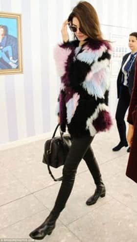 How to Wear Outfits with Faux Fur Coats (13)