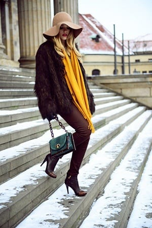 How to Wear Outfits with Faux Fur Coats (12)