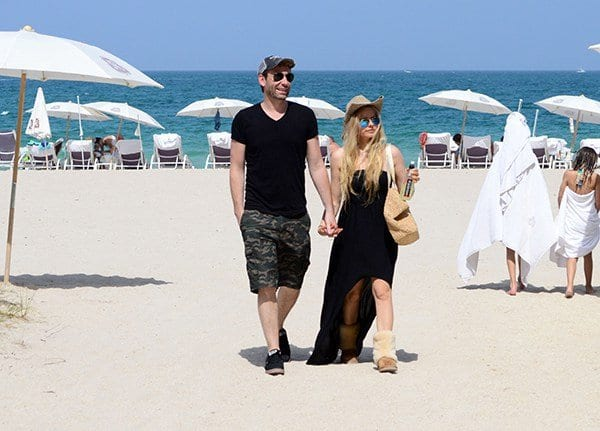 celebrity beach outfits