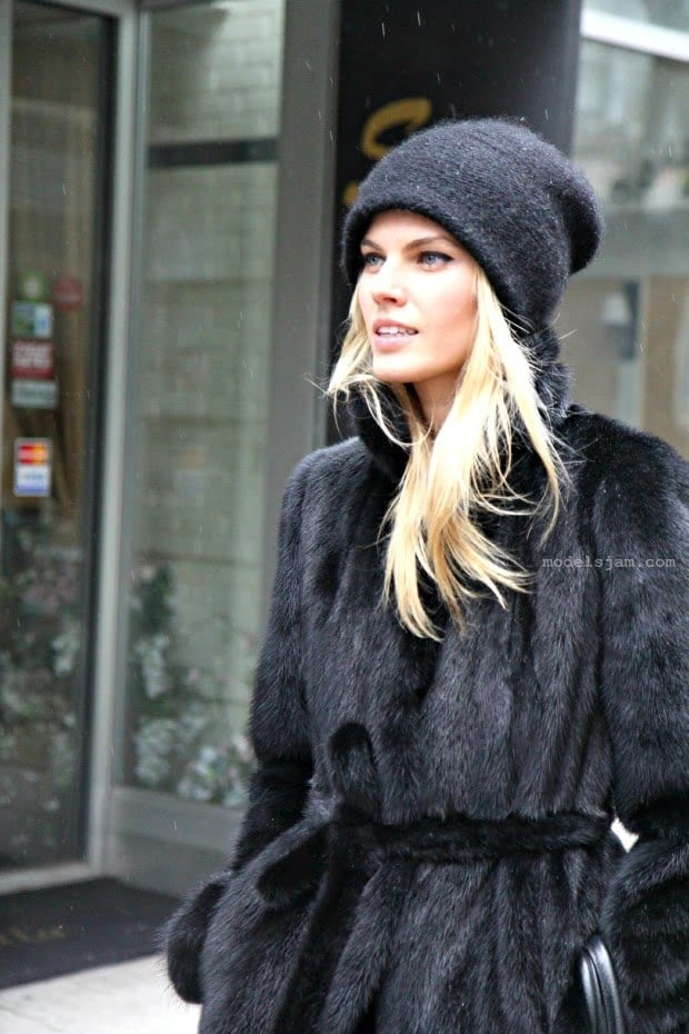 b76d166b8b9 Stylish Winter Hats for Women-These 8 Winter Hats Every Girl Must Try