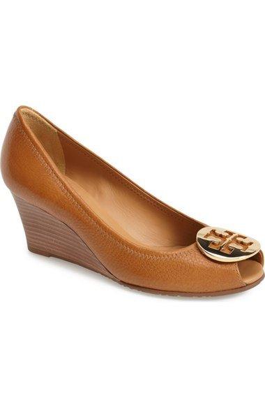 21-eid-abaya-with-peep-toe-wedges-shoes