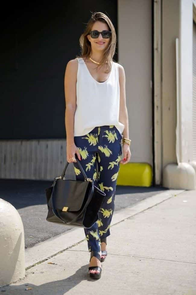 f0520e8e8e3a The printed pants styles for less formal days like office parties