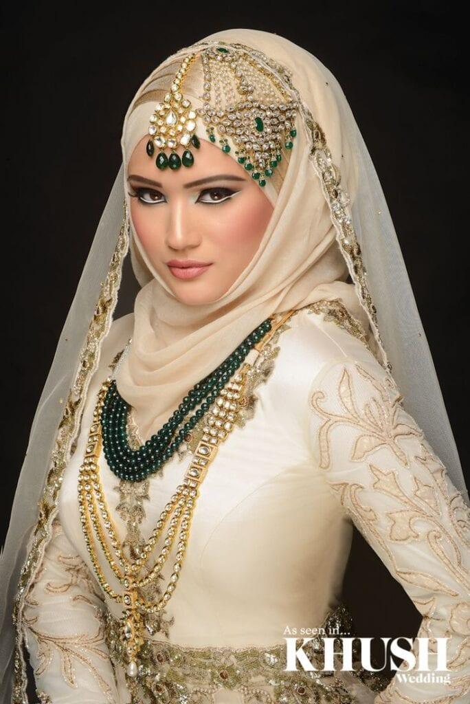 maang tikka with hijab