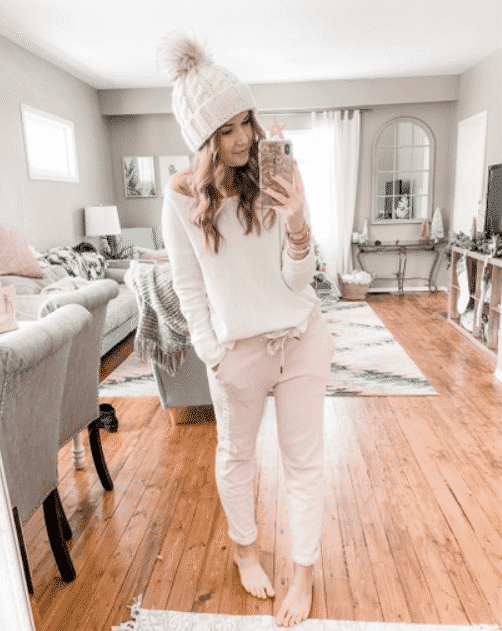 Girls Sweatpants Outfits 24 Chic Ways to Wear Sweatpants