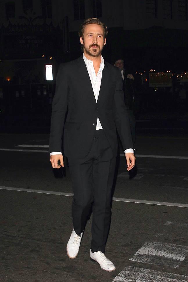 Ryan Gosling in white Oxfords