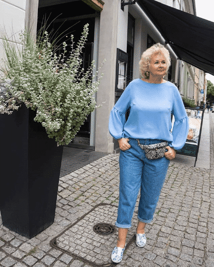 what to wear in your sixties
