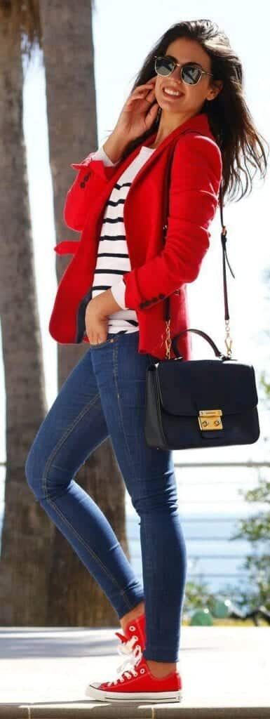 incredible outfit with red sneakers 8