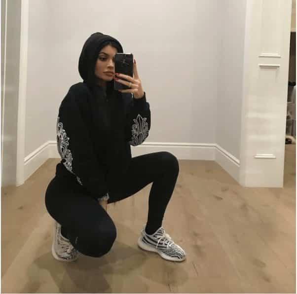 32f343de2 Outfits with Black Leggings – 21 Ways to Wear Black Leggings
