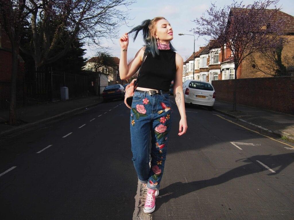 Biker leather jackets for women, Music american award fashion wrap up