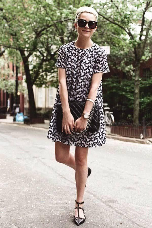 48d0497fd6c3 If you are confused about the outfit for casual Friday in summertime, then  think about the simple floral light dress in your closet that is both  seasonal ...