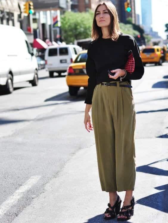 Women Khaki Pant Outfits- 20 Ways Girls can Wear Khaki Pants