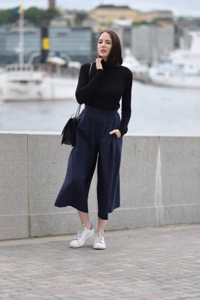 How to wear palazzo pants with sneakers