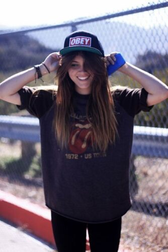 How to Wear a Snapback for Girls (6)