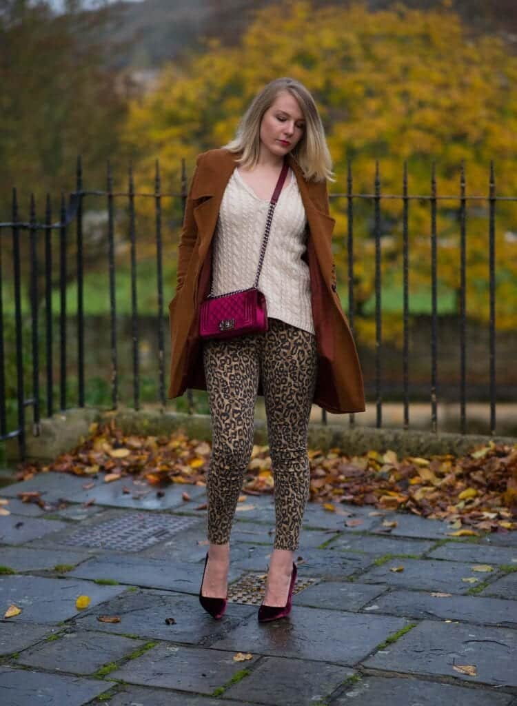 Outfits with Velvet Handbags (15)