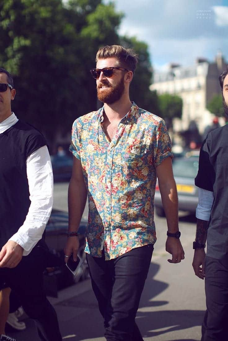 20 Floral Shirt Outfits For Men recommend