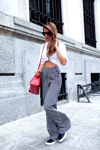 How to wear palazzo pants with sneakers (1)
