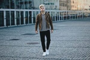 how to wear suede jacket for men (8)