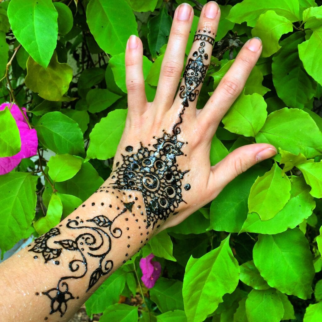 latest henna tattoo ideas (46)