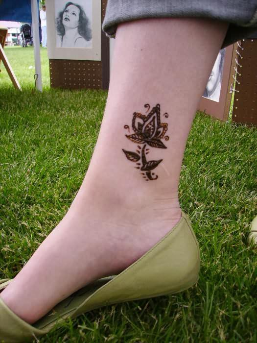 latest henna tattoo ideas (39)