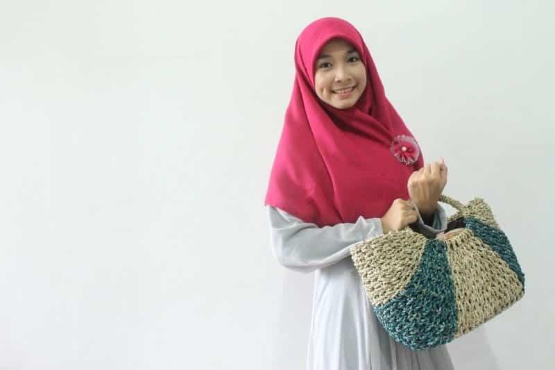 20 Ways to Wear Silk Hijab (10)