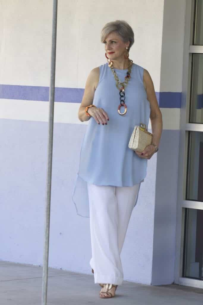 how to dress in summers for women above 50 (8)