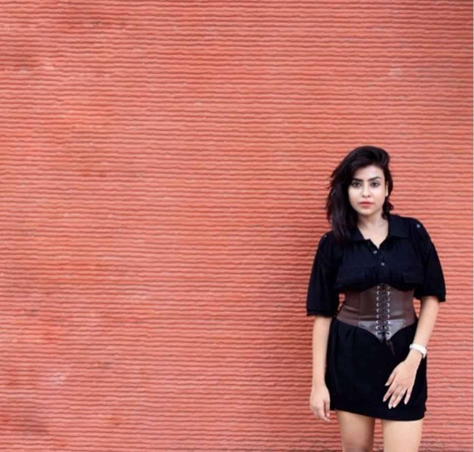 how to wear a corset belt (6)
