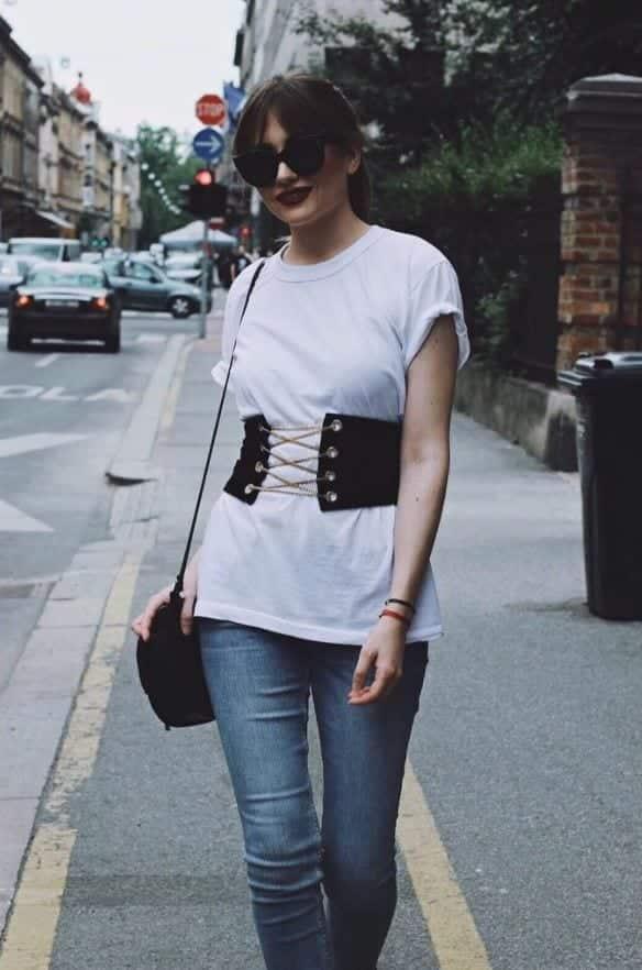 how to wear a corset belt (4)