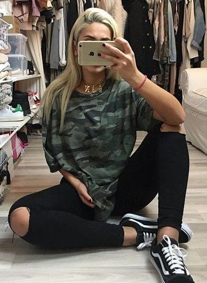 5e0ff4cbb2 Women s Outfits with Vans-30 Outfits to Wear with Vans Shoes