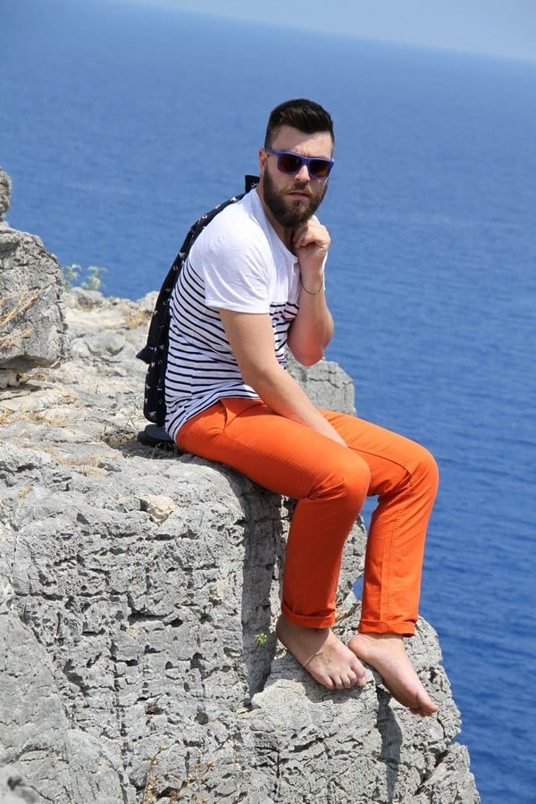 how to wear orange pants for men (32)