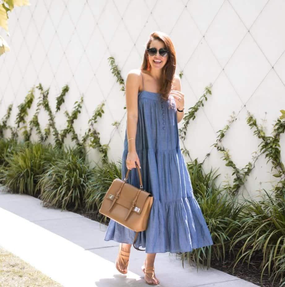 Top 20 Women Fashion Accounts to Follow (14)