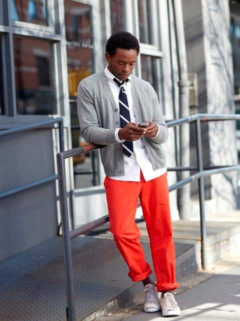 how to wear orange pants for men (30)