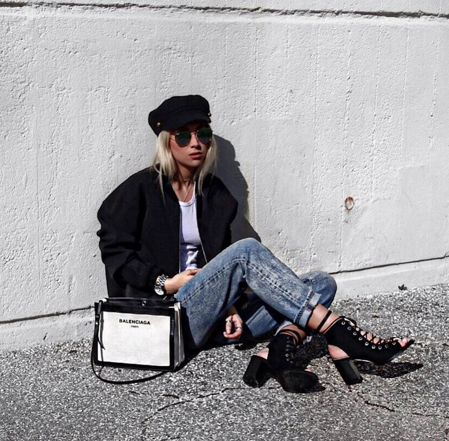 Top 20 Women Fashion Accounts to Follow (13)