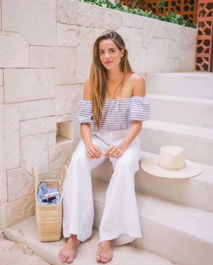 Top 20 Women Fashion Accounts to Follow (10)
