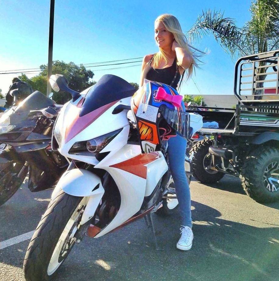 most beautiful biker girls on Instagram (8)