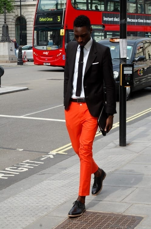 how to wear orange pants for men