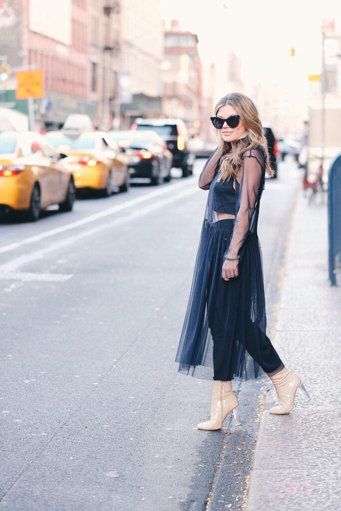 How to wear a sheer club outfit (5)
