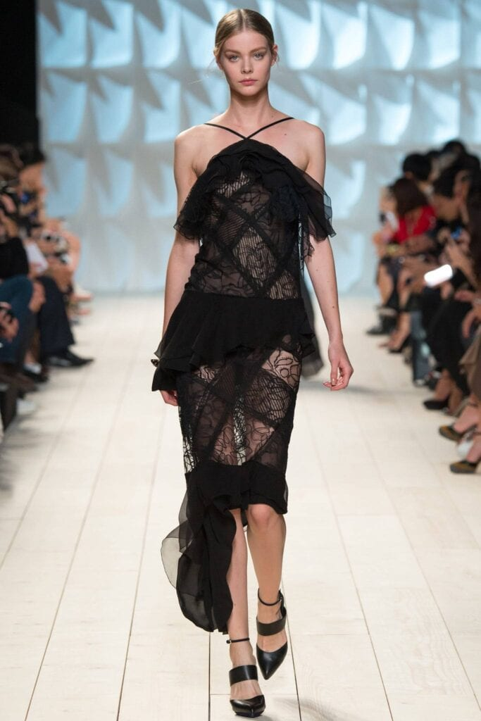 How to wear a sheer club outfit (4)