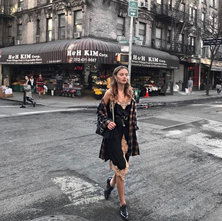 Top 20 Women Fashion Accounts to Follow (6)