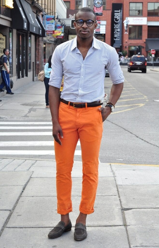 how to wear orange pants for men (2)
