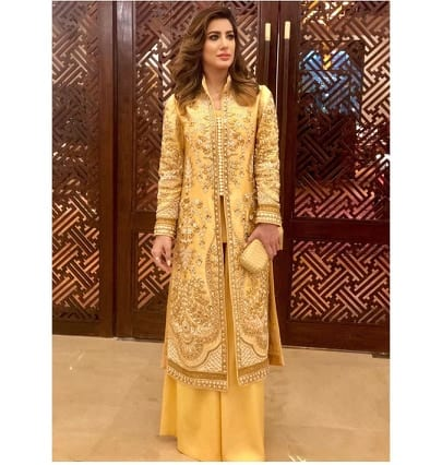 Outfits For Pakistani Women Over 30 1